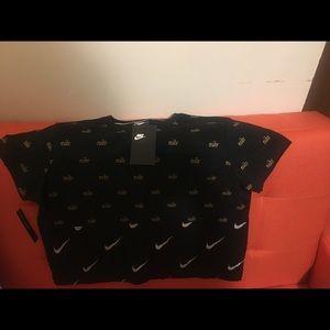 Nike Women's Crop T Shirt